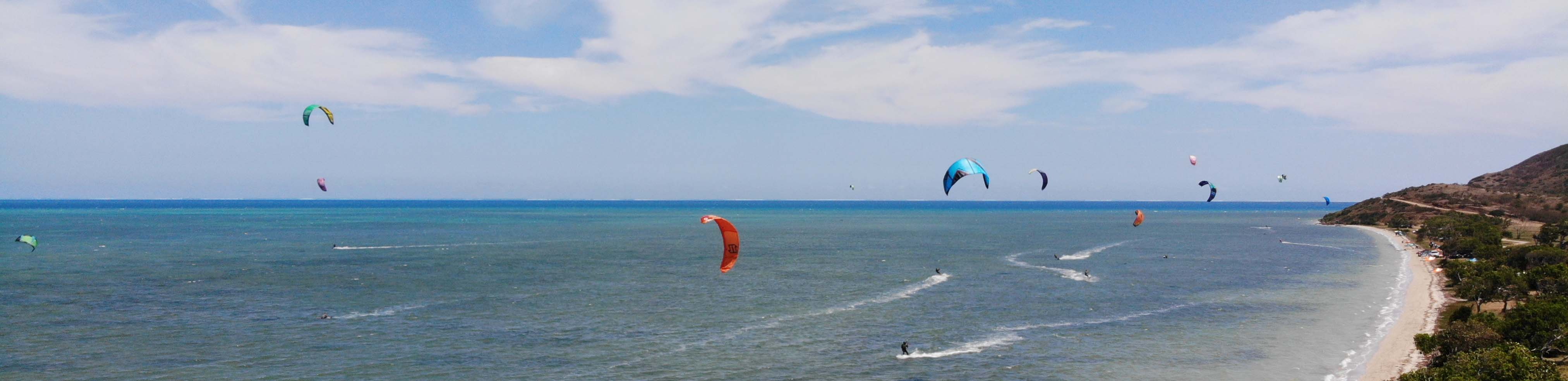 OUANO PLAGE PUBLIQUE – KITE SURF – NC – SKYVIEW